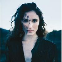 Elsa On Tombe [Album Version]