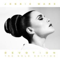 Jessie Ware Taking In Water