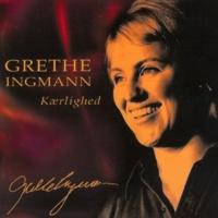 Grethe Ingmann & Jørgen Ingmann Blot Slentre Gennem Regn
