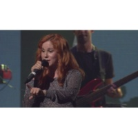 Katy B Easy Please Me (Live at iTunes Festival 2011)