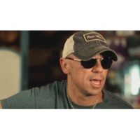 Kenny Chesney When I See This Bar