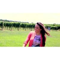Mariana Ava Vinho Novo (Videoclipe)