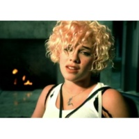 P!nk Don't Let Me Get Me (Video)