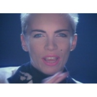 Eurythmics/Aretha Franklin Sisters Are Doin' It for Themselves (Official Video)