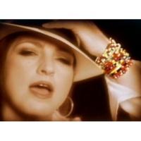 Gloria Estefan No Llores (Music Video)