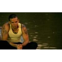 Calle 13 Un Beso de Desayuno (Video)